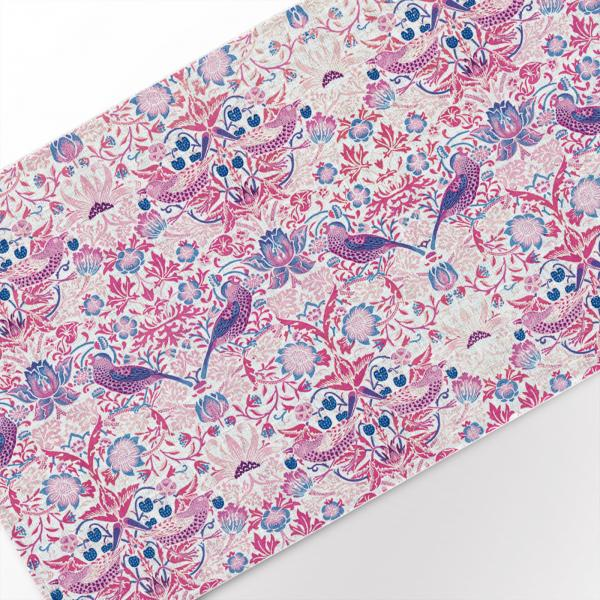 Table runner / Strawberry Thief (pink)