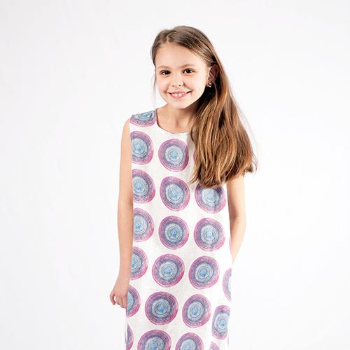 Linen girl's dress with bigger circles pattern