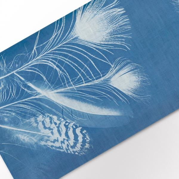 Table runner / Peacock Feathers