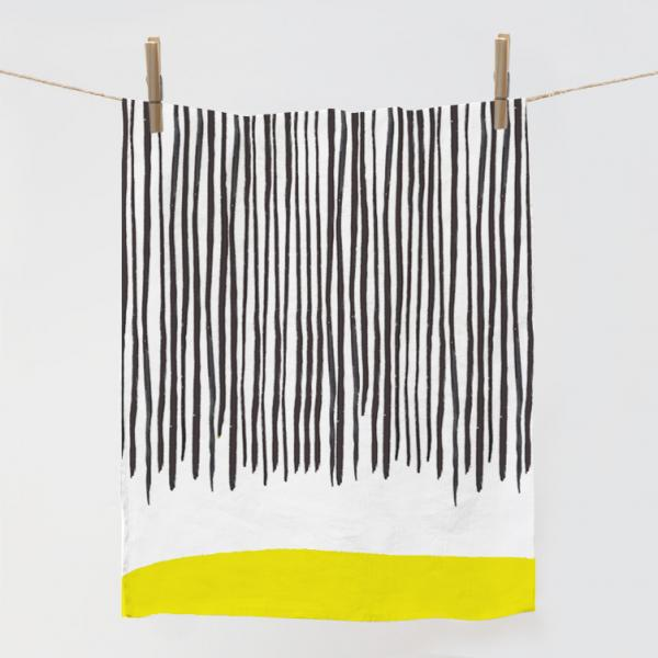 Kitchen towel with yellow line
