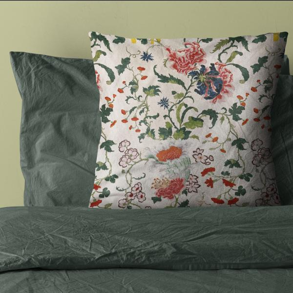 Cushion cover / Antique blooming floral