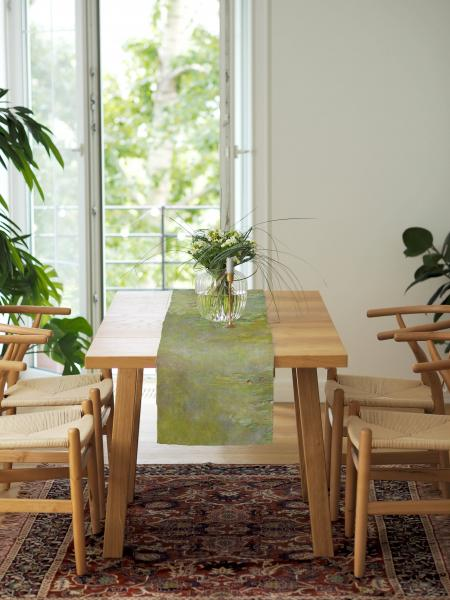 Table runner / The Water Lily Pond