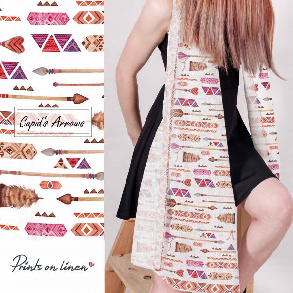 Linen scarf with arrow pattern
