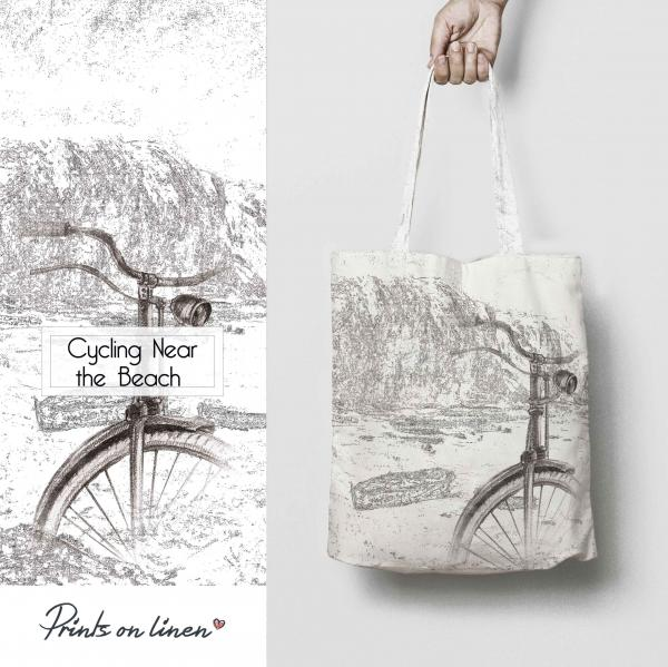 Tote bag / Cycling Near the Beach