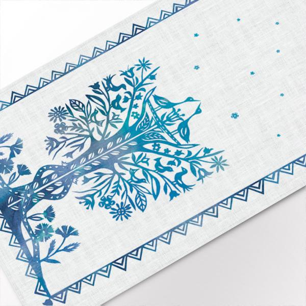 Table runner / Traditional papercuts